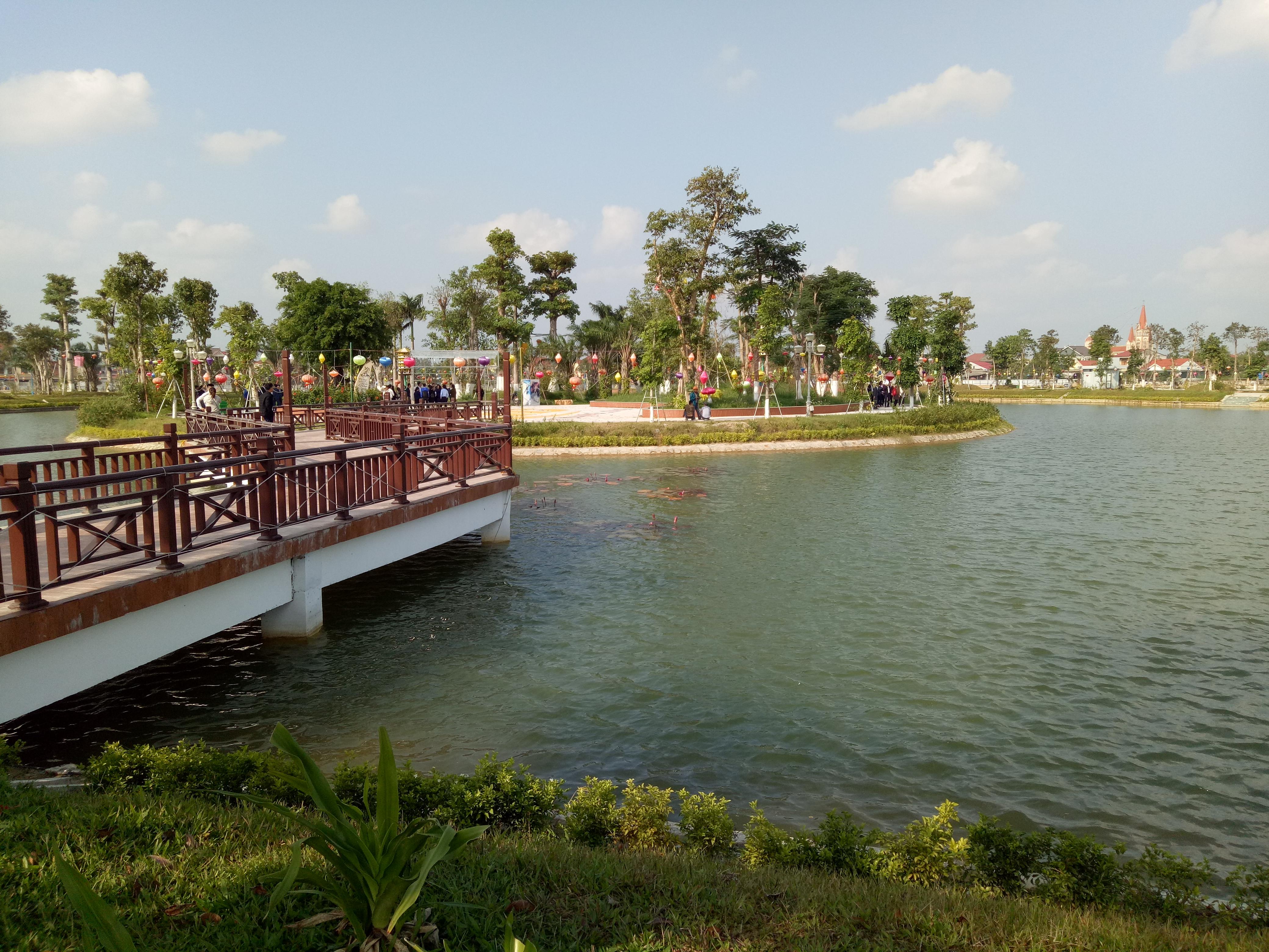 Hồ sinh thái khu đô thị Xuân An